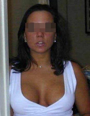 Femme très perverse avec des gros seins pour un plan baise à Barlin
